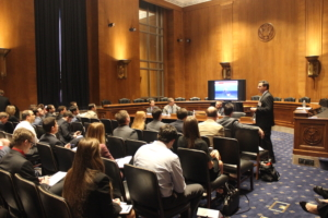 """Tony Seeliger, Pacific Drilling, presents """"Offshore Drilling 101"""" to Capital Hill staffers during IADC Lunch and Learn event."""