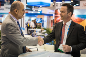 IBP Secretary-General Milton Costa Filho (left) and IADC President Jason McFarland sign the MOU on 4 May.